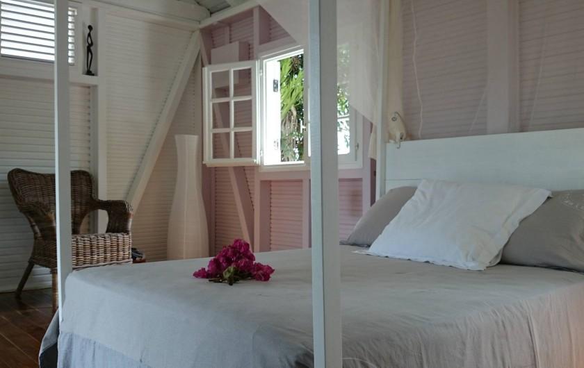 Location de vacances - Maison - Villa à Le Diamant - Chambre (vue en sortant de la salle d'eau)