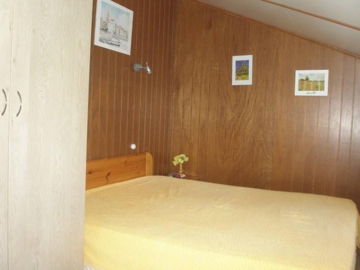 Location de vacances - Maison - Villa à Portiragnes Plage - chambre 2 personnes à l'étage