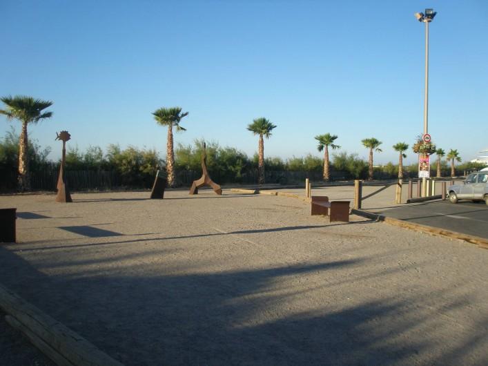 Location de vacances - Maison - Villa à Portiragnes Plage - digue devant la mer
