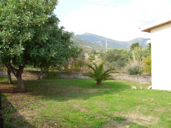 Location de vacances - Appartement à Tertenia - jardin