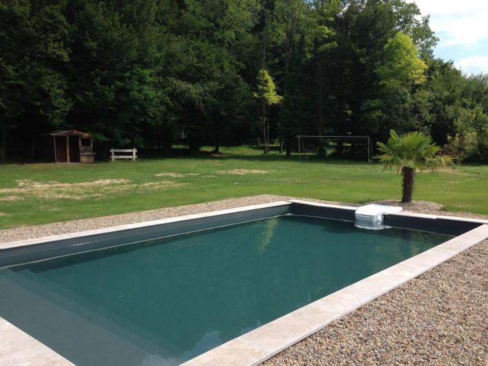 Location de vacances - Maison - Villa à Saint-Amand-de-Coly - piscine privée