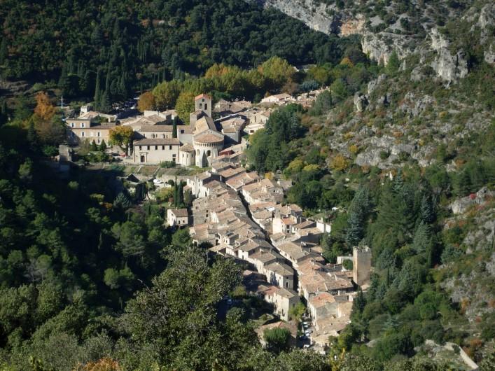 Location de vacances - Gîte à Montpeyroux - à 5km St Guilhem le Désert classé parmi les plus beaux villages de France