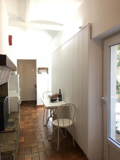 Location de vacances - Gîte à Montpeyroux - cuisine