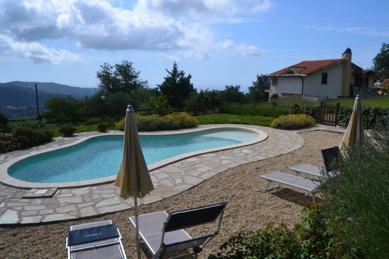 Location de vacances - Gîte à Vasia - la piscine et notre plage/solarium