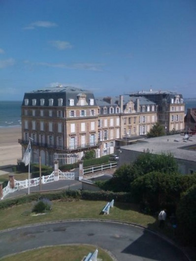 Location de vacances - Appartement à Trouville-sur-Mer - Bâtiment les Roches Normandes