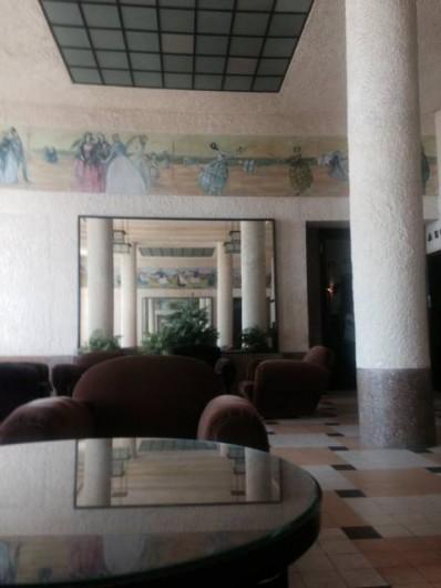 Location de vacances - Appartement à Trouville-sur-Mer - Grand hall de Mallet-Stevens classé aux monuments historiques.