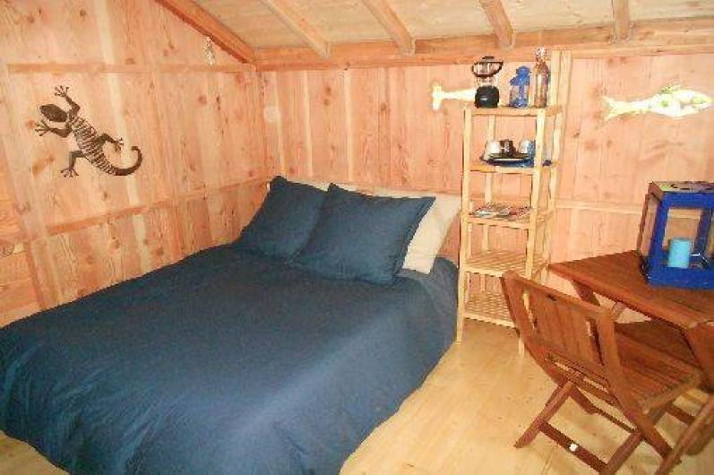 """Location de vacances - Cabane dans les arbres à Grandfontaine - Intérieur Cabane Couple (2-3 couchages) """"L'Ile aux Pêcheurs """""""