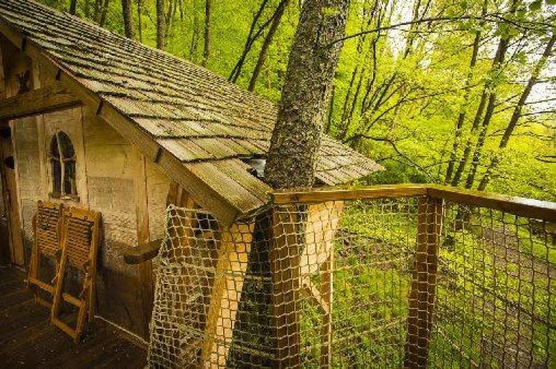 """Location de vacances - Cabane dans les arbres à Grandfontaine - Cabane Tribu (2-4 couchages) """"L'Appel de la Forêt"""""""