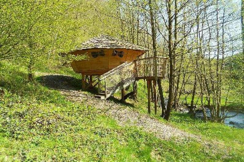 """Location de vacances - Cabane dans les arbres à Grandfontaine - Cabane Couple (2 couchages) """"Au Fil de l'Eau"""""""