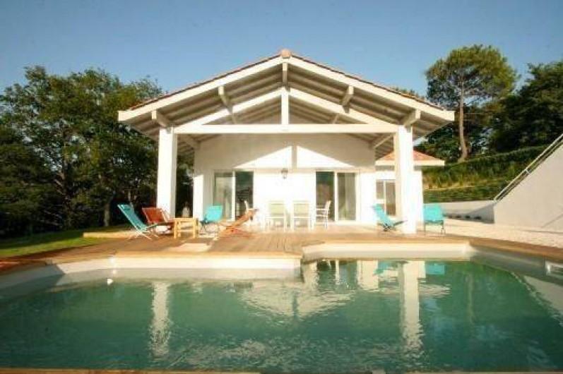 Superbe maison design pour 8 personnes avec piscine et grand jardin ...