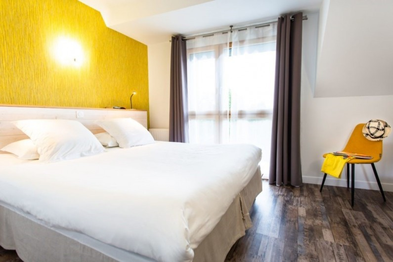 Location de vacances - Chambre d'hôtes à Locoal-Mendon - Sur la terrasse de la salle