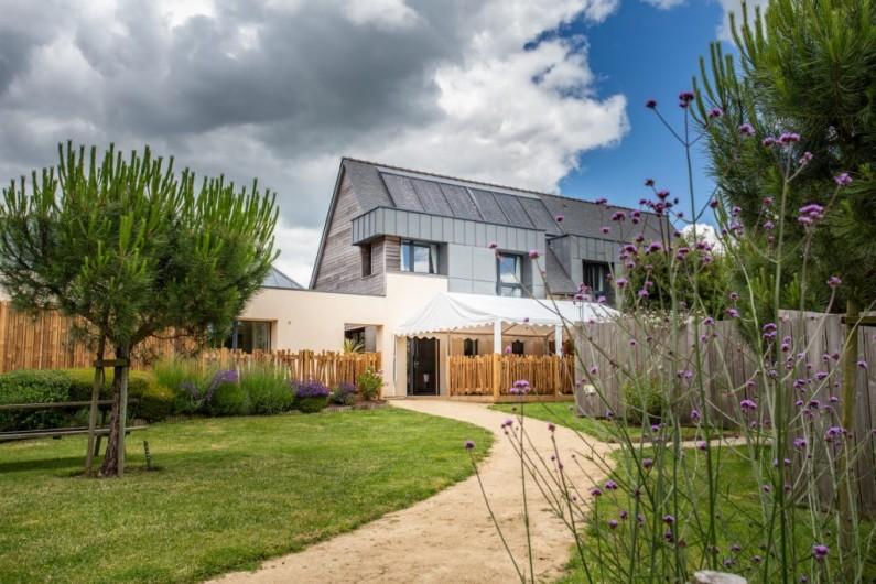 Location de vacances - Chambre d'hôtes à Locoal-Mendon - Chambre couple, lit 180x200