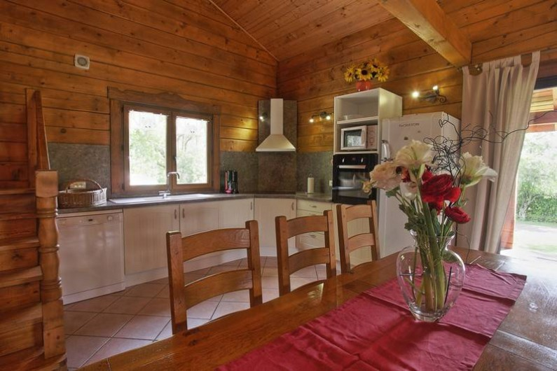 Location de vacances - Chalet à Saissac - Coté cuisine.