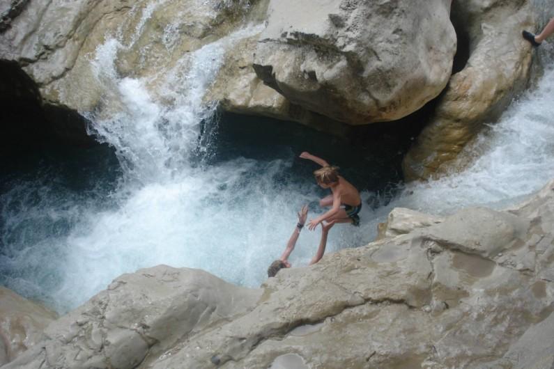 Location de vacances - Chalet à Veynes - baignade dans les rivières