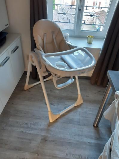 Location de vacances - Appartement à Beaune - Pour bien accueillir votre bébé pendant les repas !
