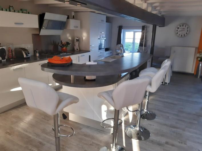 Location de vacances - Appartement à Beaune - Cuisine ouverte avec mange debout
