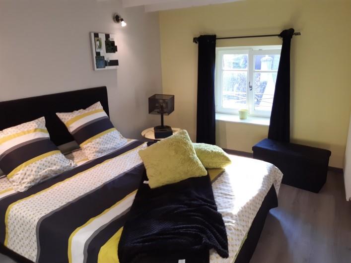 Location de vacances - Appartement à Beaune - 2ème chambre aux notes du verger  !