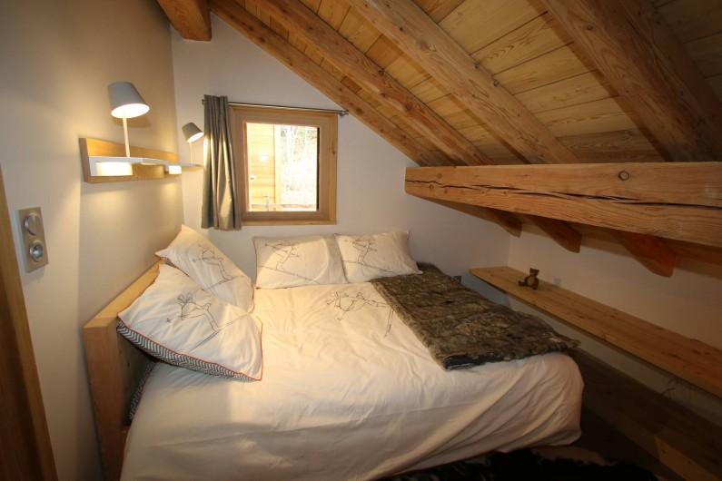 Location de vacances - Appartement à La Salle-les-Alpes - Chambre 2  / espace TV et DVD pour enfants