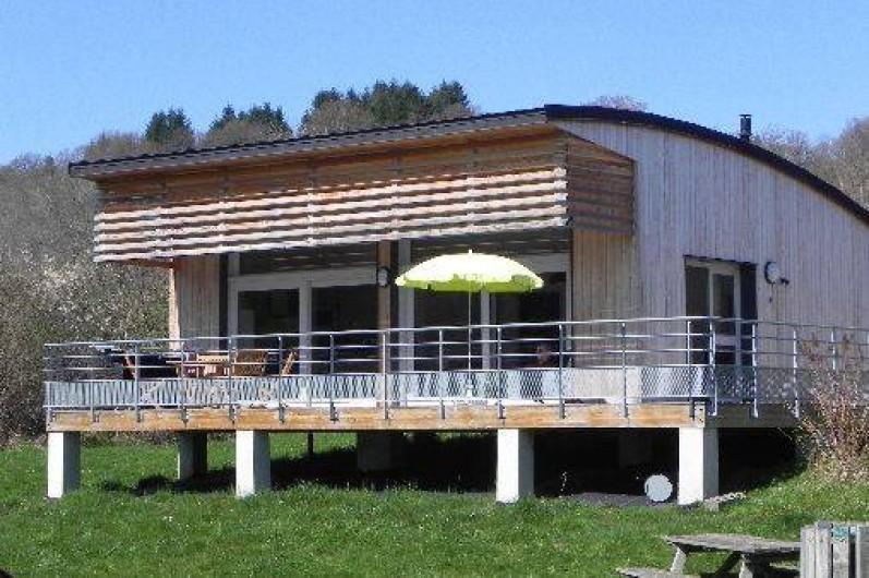 Location de vacances - Chalet à Menet - chalet sur piloti