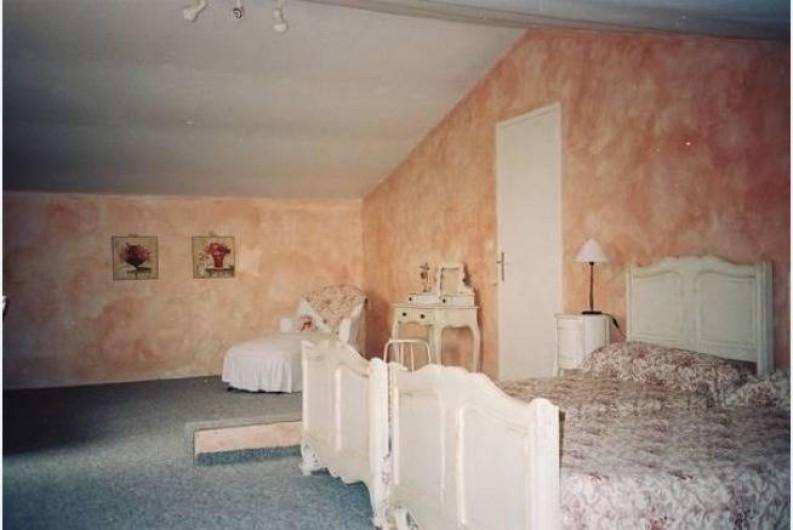 Location de vacances - Maison - Villa à Mérindol - Chambre 1 à l'étage de 40 m2