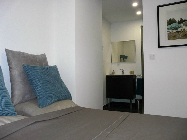 Location de vacances - Appartement à Ramatuelle - Salle de douche moderne