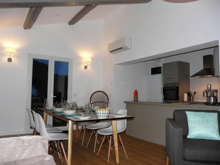 Location de vacances - Appartement à Ramatuelle - Salon Cuisine