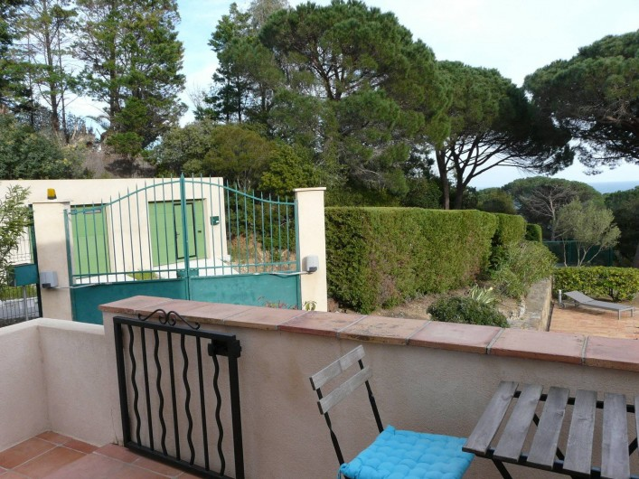 Location de vacances - Appartement à Ramatuelle - Balcon