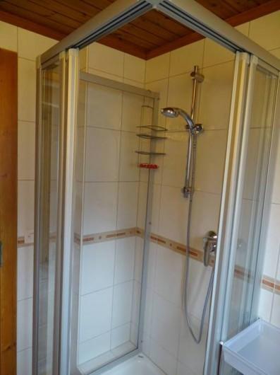 Location de vacances - Chalet à Bellwald - Salle de douche