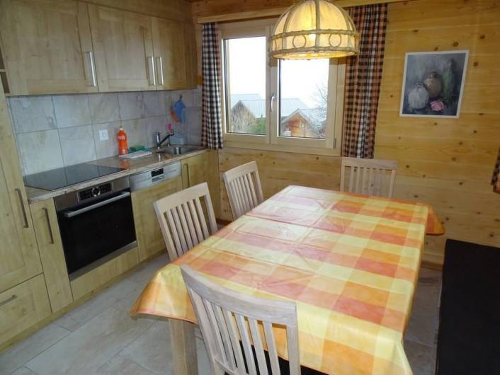 Location de vacances - Chalet à Bellwald - Cuisine habitable