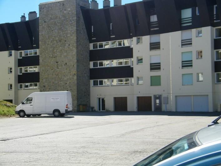 Location de vacances - Appartement à Superbolquère - Vue arrière de l'immeuble
