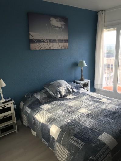 Location de vacances - Appartement à Gruissan - Chambre 1 de 15 m² avec télévision