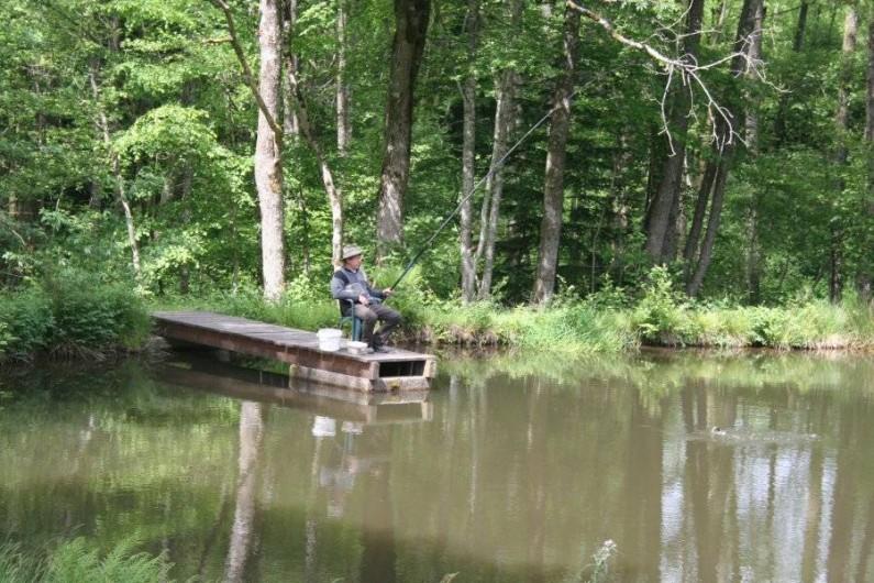Location de vacances - Chambre d'hôtes à Le Clerjus - Profitez d'une partie de pêche