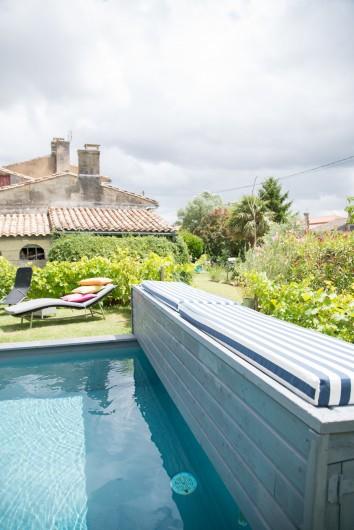 Location de vacances - Gîte à Bourg sur Gironde - piscine