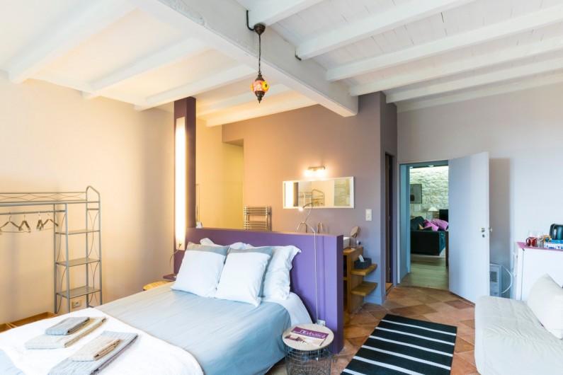 Location de vacances - Gîte à Bourg sur Gironde - La chambre d'hôtes  avec communication avec le gite  ou sans communications