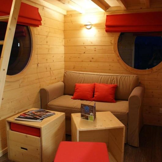 Location de vacances - Insolite à La Chapelle-Blanche-Saint-Martin - Carré d'étoiles le salon