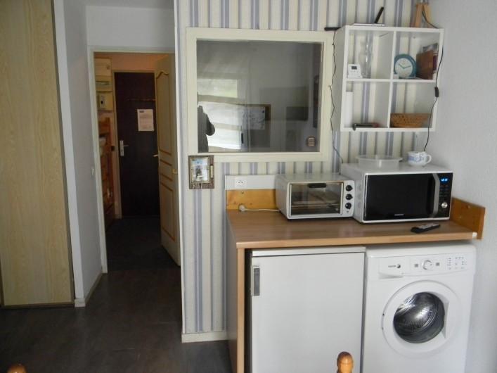 Location de vacances - Studio à Cauterets - lave linge et réfrigérateur