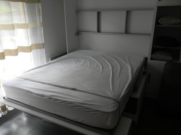 Location de vacances - Studio à Cauterets - lit escamotable
