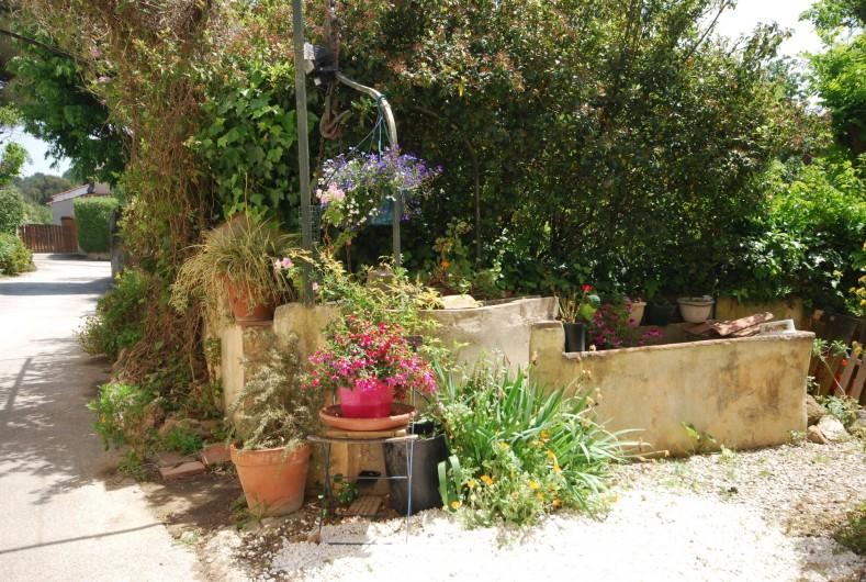 Location de vacances - Appartement à Six-Fours-les-Plages - Le puits dans la ruelle