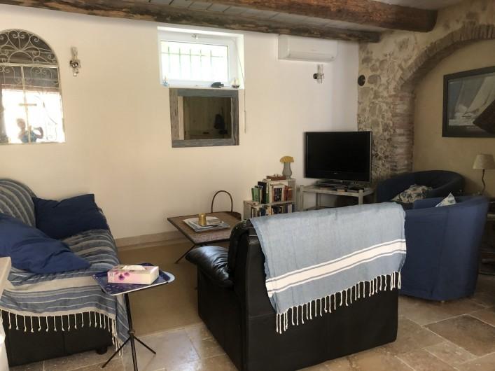 Location de vacances - Appartement à Six-Fours-les-Plages - coin salon