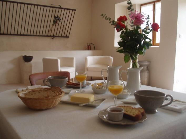 Location de vacances - Chambre d'hôtes à Saint-Julien-en-Vercors - Le Petit Déjeuner
