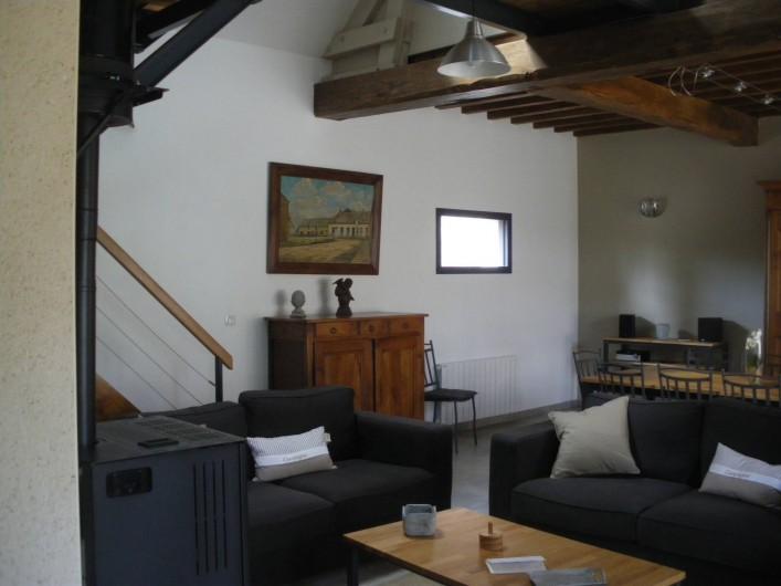 Location de vacances - Gîte à Chauffours - Coin salon avec poêle à granulés