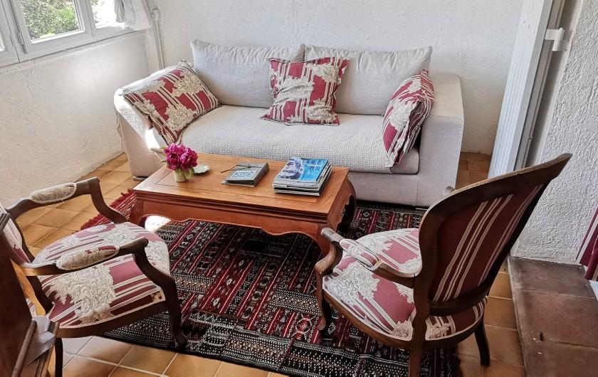 Location de vacances - Villa à Le Cannet - SALON  CHAMBRE DE MAITRE