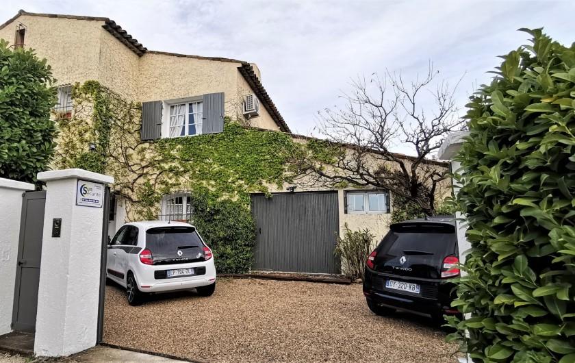 Location de vacances - Villa à Le Cannet - PARKING 3 VOITURES portail automatique