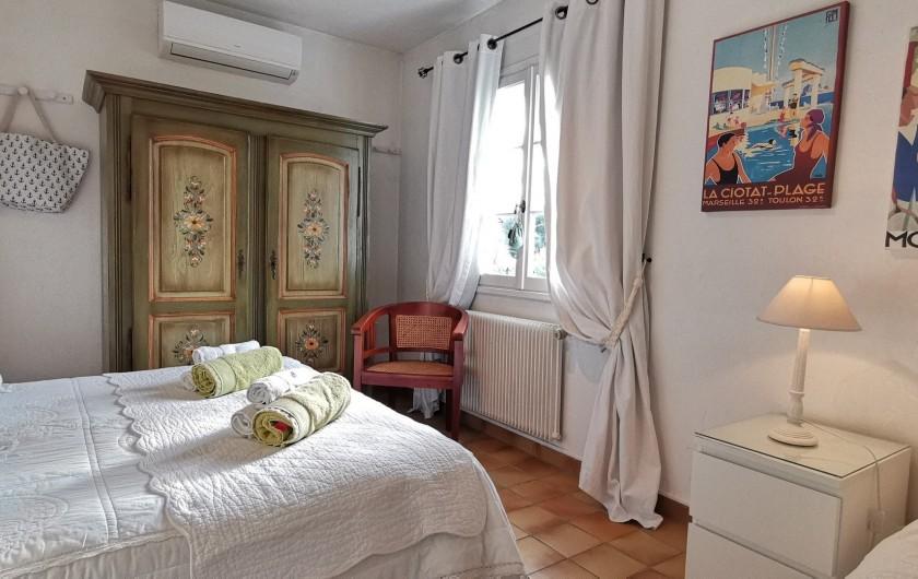Location de vacances - Villa à Le Cannet - CHAMBRE VERTE LIT de 160 LIT de 90