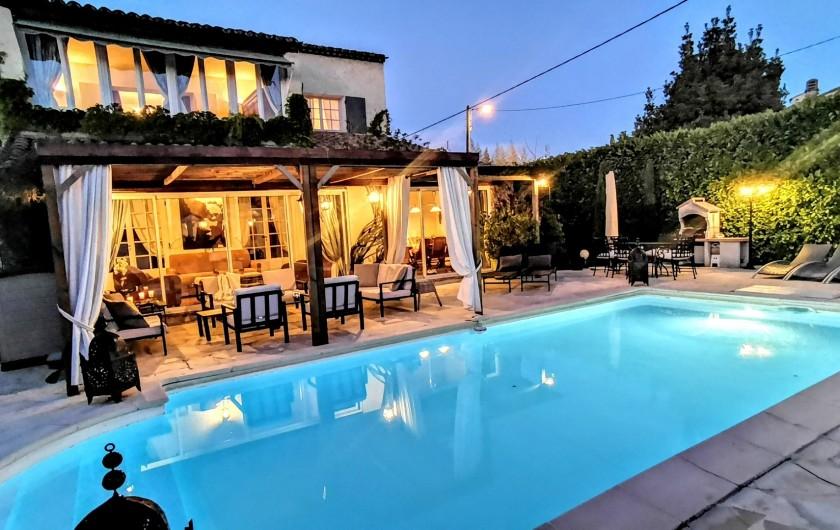 Location de vacances - Villa à Le Cannet - VUE DE NUIT