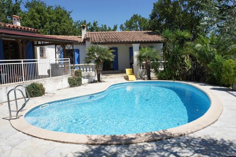 Location de vacances - Villa à Saint-Cézaire-sur-Siagne - villa coté piscine