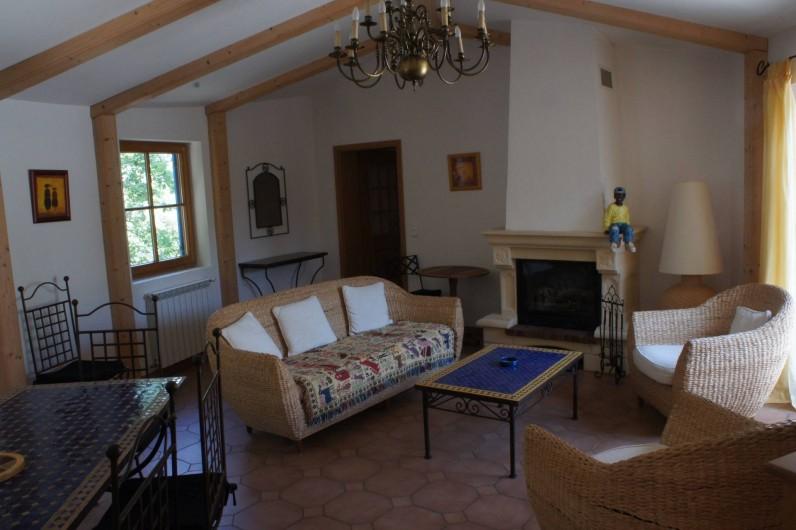 Location de vacances - Villa à Saint-Cézaire-sur-Siagne - salon