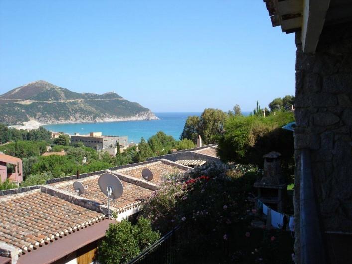 Location de vacances - Maison - Villa à Solanas - Si vede il mare dal terrazzo