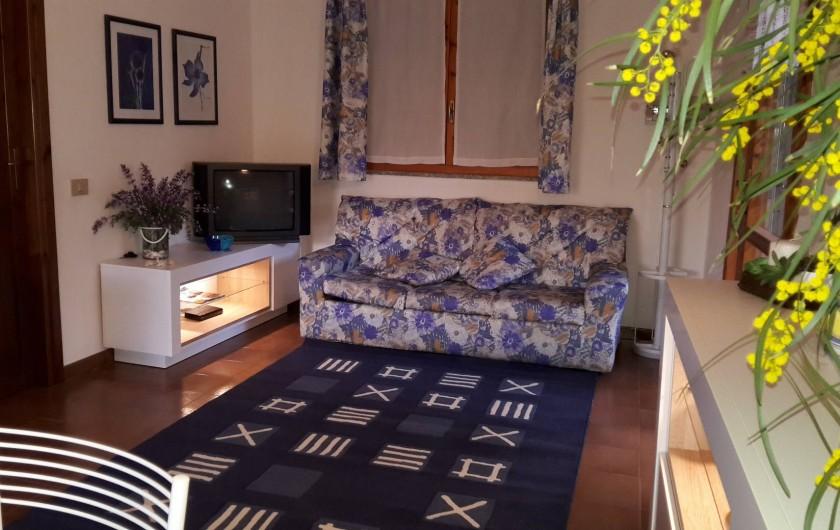 Location de vacances - Maison - Villa à Solanas - Salotto con divano letto