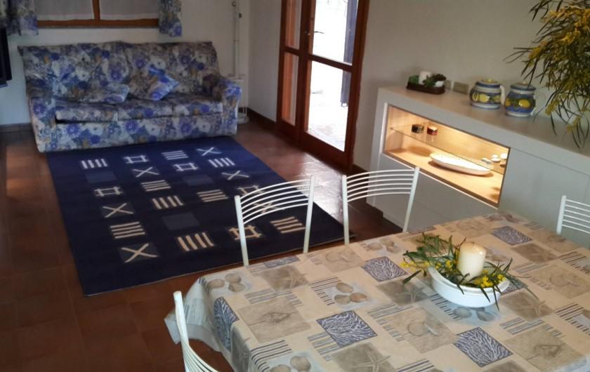 Location de vacances - Maison - Villa à Solanas - Soggiorno con divano letto